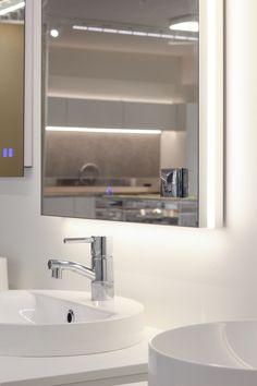 Mittatilauspeiliin saa mm. pistorasian peilin alareunaan. Bathroom, Decor, Lighted Bathroom Mirror, Furniture, Light, Mirror, Bathroom Lighting, Bathroom Mirror, Home Decor