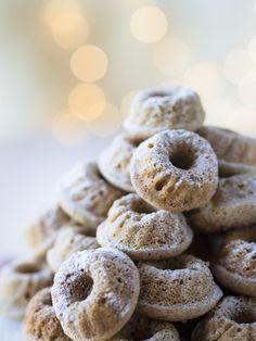 Minikokoiset Vaniljakuivakakut Most Delicious Recipe, Doughnut, Cocoa, Bakery, Food And Drink, Cupcakes, Yummy Food, Favorite Recipes, Vegan