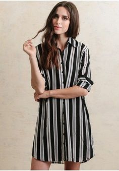 This lightweight striped shift dress is perfect for creating a casual ensemble. Collared Shirt Dress, Long Shirt Dress, Striped Shirt Dress, Simple Dresses, Cute Dresses, Oversized Dress, Vintage Inspired Dresses, Shirt Designs, Outfits