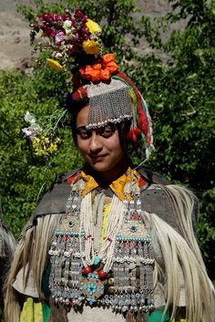 india - traditional dances and culture of the brokpa people by Retlaw Snellac, via Flickr