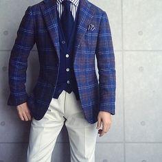 . 2017/11/21. . おはようございます✨. . 今日はこんな感じで✨. * * * Jacket & Shirts #Brillaperilgusto Knit #Drumohr Tie #LUIGIBORRELLI Chief #FRANCOBASSI Pants #TAGLIATORE * * * #mensfashion #menstyle #menswear #mnswr #wiwt #gentleman #fashion #fashiongram #instafashion #instastyle #coordinate #code #ootd #photooftheday #outfit #outfitpost #dapper #stylish #me #jacket #menwithclass #ファッション #コーディネート #beamsf