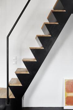 Interiores em destaque / selecionados 2015 # 42 - the staircase enthusiast - Escadas Stair Handrail, Staircase Railings, Staircase Design, Stairways, Mezzanine Bedroom, Escalier Design, Stair Detail, Appartement Design, Stairs Architecture