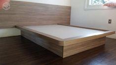 Base de cama e cabeceira juntos apenas R Bedroom Closet Design, Bedroom Furniture Design, Bed Furniture, Double Bed Designs, Solid Wood Platform Bed, Farmhouse Dining Room Table, Door Design Interior, At Home Furniture Store, Kairo