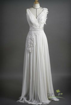 Wedding dress (US$270), by pandaandshamrock on etsy.com