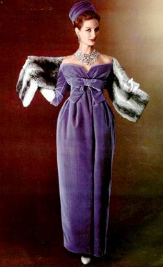 Fashion Vintage Model wearing a purple velvet dress by YSL for Christian DIor, Jewellery by Vendome. Photo by Philippe Pottier. jαɢlαdy - Model wearing a purple velvet dress by YSL for Christian DIor, Jewellery by Vendome. Photo by Philippe Pottier. Vintage Dior, Moda Vintage, Vintage Gowns, Vintage Couture, Vintage Outfits, Vintage Velvet, Vintage Clothing, Fifties Fashion, Retro Fashion