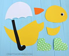 Make this cute rainy day duck craft holding an umbrella and wearing polka dot rain boots! Fun spring art project for kids. Spring Arts And Crafts, Spring Art Projects, Fun Arts And Crafts, Preschool Art Projects, Kindergarten Crafts, Preschool Crafts, Spring Crafts For Preschoolers, Zoo Crafts, March Crafts