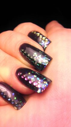 Cool idea with gel nails.: