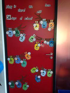 Klasdeur einde schooljaar: we moeten helaas bijna afscheid nemen... ook leuk als verjaardagskalender