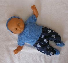 Ensemble pull et pantalon bleus pour poupon 30 cm - MCL Poupées