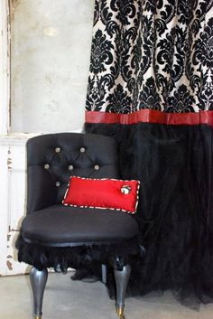 Black, red and white grand archive drape with tulle.  Full and vibrant!