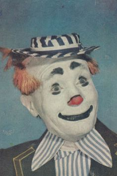 Vintage 1940s Clown Images - gruesome & beautiful #20