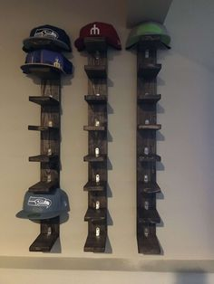 11 Creative DIY Hat Rack Ideas for Your Next Project Home Junkee Diy Wood Projects Creative DIY hat Home ideas Junkee Project Rack Wall Hat Racks, Diy Hat Rack, Baseball Hat Racks, Baseball Hat Organizer, Baseball Hat Display, Baseball Cap, Cap Rack, Hat Shelf, Hat Storage
