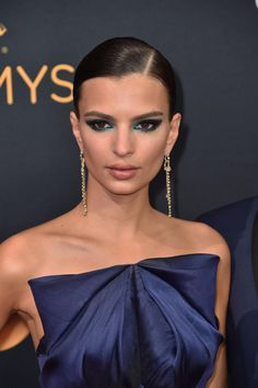 Jennifer Lawrence, Cara Delevingne, Taylor Swift : on s'inspire des make-up de stars pour le réveillon | Le Figaro Madame