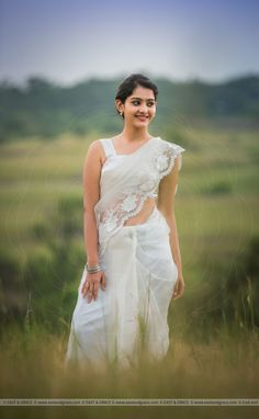 Improve How You Look With These Great Fashion Tips Beautiful Girl Indian, Beautiful Girl Image, Beautiful Saree, Beautiful Indian Actress, Beautiful Women, Indian Photoshoot, Saree Photoshoot, Stylish Girl Images, Stylish Girl Pic