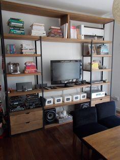 biblioteca hierro y madera Shelf Furniture, Metal Furniture, Industrial Furniture, Living Room Furniture, Furniture Design, Bookshelf Bed, Rack Tv, Muebles Living, Condo Living