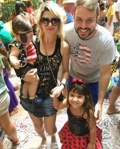 Antônia Fontenelle leva o filho de sete meses a bloquinho de Carnaval #AnaPaula, #Atriz, #BBB, #Carnaval, #Desfile, #Filha, #Foto, #IveteSangalo, #M, #Noticias, #Pirata, #RioDeJaneiro http://popzone.tv/2017/03/antonia-fontenelle-leva-o-filho-de-sete-meses-a-bloquinho-de-carnaval.html