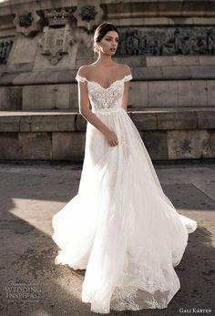 Cool 92 Simple but Unique Mermaid Wedding Dress Ideas. More at http://aksahinjewelry.com/2017/09/09/92-simple-unique-mermaid-wedding-dress-ideas/ #mermaidweddingdresses #simpleweddings #weddingdressideas #dressesideas #uniqueweddingideas