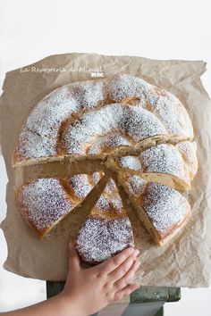 Ensaimada de Mallorca rellena de Cabello de Ángel Donuts, Plum Cake, Food Decoration, Summer Bbq, Foods To Eat, Sin Gluten, Pain, Sweet Recipes, Cupcake Cakes