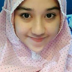 Komen dong kurangnya dimana? . . . #komunitas_hijab_indonesia #hits #hijabercantik #hijabootdindo #hijabkece #bidadariselfie #cantik #dagelan #kekinian #hijaber_indo #hijabersindonesia #hijabers_indonesia #hijabersmagazine #diaryhijaber #inoengaceh #barbie_muslimah #hijaberscommunity #hijabers #wanitaberhijab #fff #lfl Casual Hijab Outfit, Hijab Dress, Muslim Girls, Muslim Women, Big Fashion, Hijab Fashion, Don G, Hijab Niqab, Baggy Clothes
