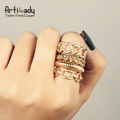 Paquete de anillos, rudos y cursis a la vez, combinalos como tu gustes! $35 el paquete <3