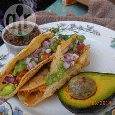 Tacos dorados de pollo @ allrecipes.com.mx