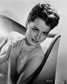 old Hollywood actresses photos, Olivia de Havilland photo, English and American actress Old Hollywood Actresses, Classic Actresses, Old Hollywood Glamour, Hollywood Actor, Golden Age Of Hollywood, Vintage Hollywood, Hollywood Stars, Classic Hollywood, Beautiful Actresses