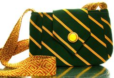 recycled tie purse.. I'd want different colors but I love it :)