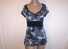 Shirt Top Size S Spandex Stretch Black Gray Floral Short Sleeves GNW Low Cut #GNW #KnitTop #Casual