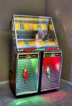1950 S Wurlitzer Jukebox Played 45 Rpm Vinyl Records