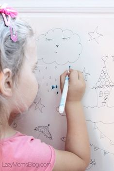 Make these DIY giant colouring pages with your kids and keep them occupied on a rainy day! Step Parenting, Parenting Articles, Parenting Hacks, New Parents, New Moms, Holiday Activities For Kids, Childrens Artwork, Raising Girls, Winter Kids