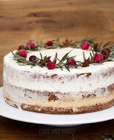 Pyszny tort piernikowy przełożony delikatnym i lekkim kremem pomarańczowym. Pięknie prezentujący się na stole i bardzo podzielny. Nie jes...