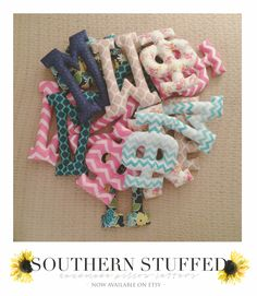 Hand-sewn pillow letters for the sorority women in your life! Southern Stuffed on Etsy! Great Big/Little gifts - you and your twins can have a letter each! Alpha Phi Omega, Phi Sigma Sigma, Kappa Alpha Theta, Phi Mu, Delta Gamma, Chi Omega, Alpha Chi, Greek Crafts, Sorority Big Little