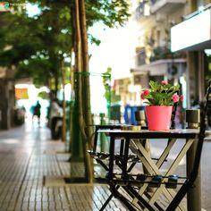 Βόλτες στις γειτονίες του κέντρου της Θεσσαλονίκης Thessaloniki, European Travel, Travel Destinations, Table Decorations, Photos, Furniture, Home Decor, Greece, Road Trip Destinations