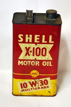 Be unique with original vintage petrol cans and vintage collectables from My Vintage, vintage petrol can, vintage motor oil can, vintage shell petrol can, vintage shell oil can Vintage Oil Cans, Vintage Tools, Vintage Signs, Oil Company Logos, Shell Gas Station, Vintage Gas Pumps, Standard Oil, Old Gas Stations, Vintage Packaging