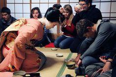 Japanese Food - Japan Talk Japanese Food List, Guide To Japanese, Japanese Street Food, Japanese Urban Legends, Kinds Of Sushi, Japanese Cartoon Characters, Floor Mattress, Most Popular Cartoons, Food Japan