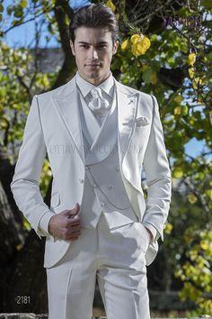 Italian white slim wedding ceremony go well with Ottavio Nuccio Gala - Best Suit's Groom Tuxedo, Tuxedo For Men, Wedding Men, Wedding Suits, Gothic Wedding, Mens White Suit, Suit For Men, Black And White Suit, Prince Suit