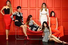 Kardashians assinam contrato de 285 milhões de reais com canal de TV americano http://glo.bo/1DZyQPy