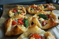 Blätterteigtaschen mit Hackfleisch-Tomaten-Feta-Füllung - Ofenliebe, Der Rezepte-Blog