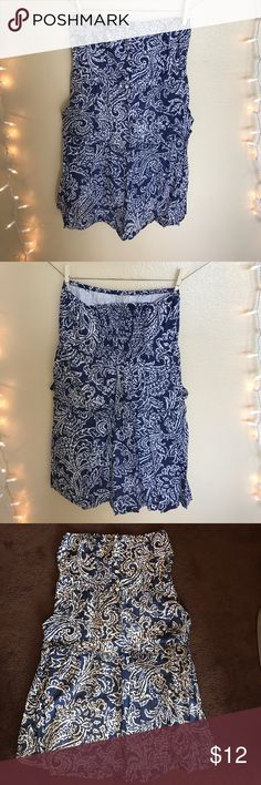 American Eagle dress American Eagle strapless lightweight dress, size 8. Blue and white, adorable dress, perfect for any occasion. Love for it to be worn by someone. Dress is in good condition, no defects. Has a white liner underneath and is not see through. American Eagle Outfitters Dresses Midi