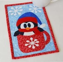 SAVE FOR LATER Cute unique mug rug for Winter.'s Pattern Store on Craftsy Cup O'Winter (Penguin) Mug Rug Pattern Christmas Mug Rugs, Christmas Sewing, Christmas Crafts, Christmas Patchwork, Christmas Quilting, Christmas Stuff, Christmas Ideas, Small Quilts, Mini Quilts