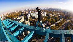 Estudiantes rusos arriesgan sus vidas para tomar vertiginosas fotos