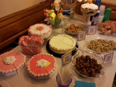 """F.R.I.E.N.D.S. themed bridal shower. From the episode """"The one where Rachel smokes""""...cups and ice decorations"""