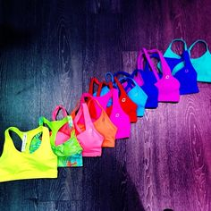 Yes please!! I would LOVE to have a collection of sports bras like this :)