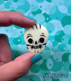 Glow in the Dark Skull Brooch / Magnet by Yukittenme on Etsy, $10.00