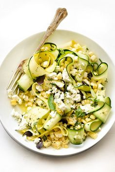 Zucchini and Fresh Corn Farmers' Market Salad with Lemon-Basil Vinaigrette - Courtesy of Foodie Crush Veggie Recipes, Salad Recipes, Vegetarian Recipes, Cooking Recipes, Healthy Recipes, Cooking Food, Healthy Corn, Dinner Recipes, Raw Recipes