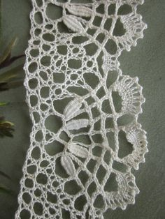 2.5 yards 2 Wide Handmade Scalloped Ivory by CornermouseHouse