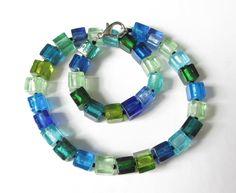 Ketten kurz - Würfel-Kette blau-grün - ein Designerstück von soschoen bei DaWanda