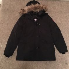 Canada Goose Montebello Parka in black Inspired Canada Goose Montebello parka in black. Worn twice with care. Like new. Canada Goose Jackets & Coats Puffers