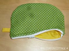 How to sew a lined zippered pouch tutorial - You can't have enough zippered pouches. They are my favorite items to sew, and they make perfect holiday gifts. Follow this easy, step-by-step tutorial and sew one of these beauties yourself!