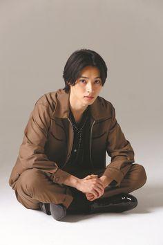 "Kento Yamazaki ""Continue to take on the world"" - Finja Actors Male, Asian Actors, Korean Actors, Actors & Actresses, Japanese Boy, Japanese Drama, Pretty Boys, Cute Boys, Series Manga"
